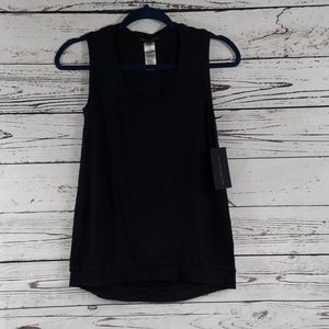 The t refinery black tank top size xs